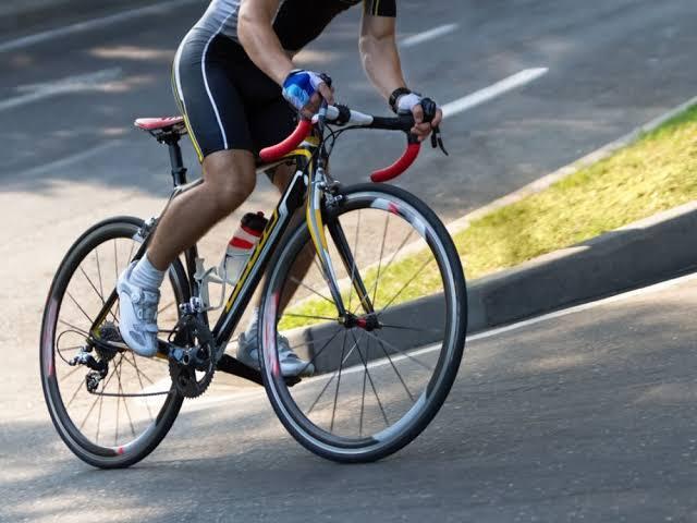As tendências de roupas para ciclismo em 2020 (Foto: internet)